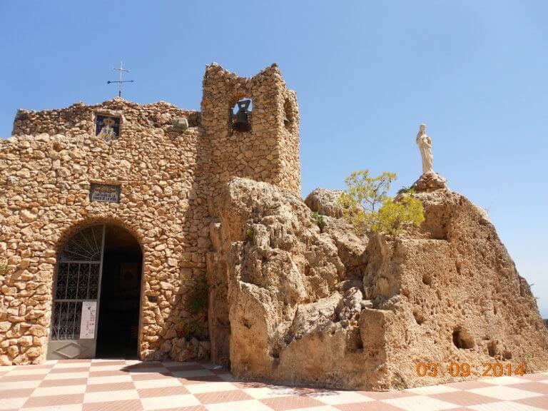 Mijas Pueblo Felsenkirche mit Schutzheiliger